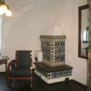 soba de teracota mica modele florale cu spatiiu mentru pisica- castelul bran
